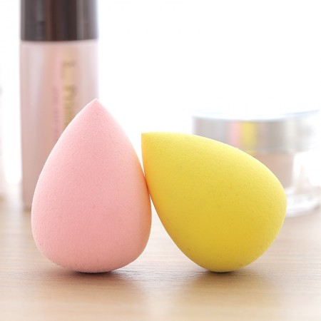 Color Random 2pcs Makeup sponge gourd shape powder puff powder foundation sponge dry wet sponge egg powder puff.